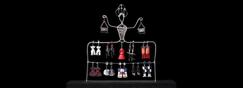 Sculpture-earring-stand-strip-960x350B