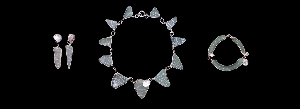 Seaglass-necklace,-earrings-and-bangle_960x350B
